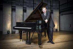 Frank-Immo Zichner – Pianist | Kammermusiker | Dozent Porträtaufnahmen – 30. Mai 2015, Musikakademie Rheinsberg